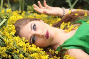 girl-1319114_1920 copy